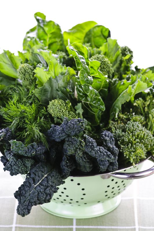 Kale, Spinach, and Swiss Chard | Green Smoothie recipe that is low glycemic | Girlfriend is Better