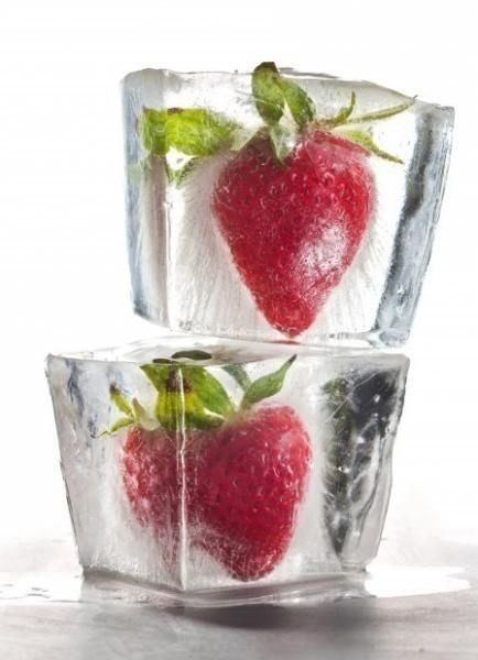 Frozen Strawberries | Green Smoothie recipe low glycemic | Girlfriend is Better