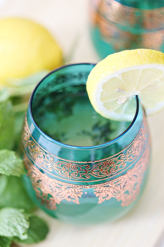 Peppermint herbal tea | health benefits | Girlfriend is Better