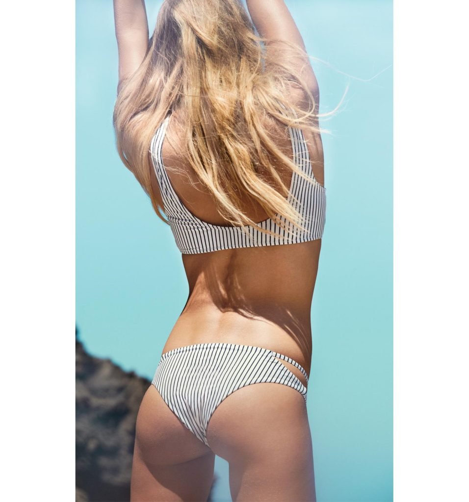 Swimsuit shopping guide for flat booty girls | Girlfriend is Better