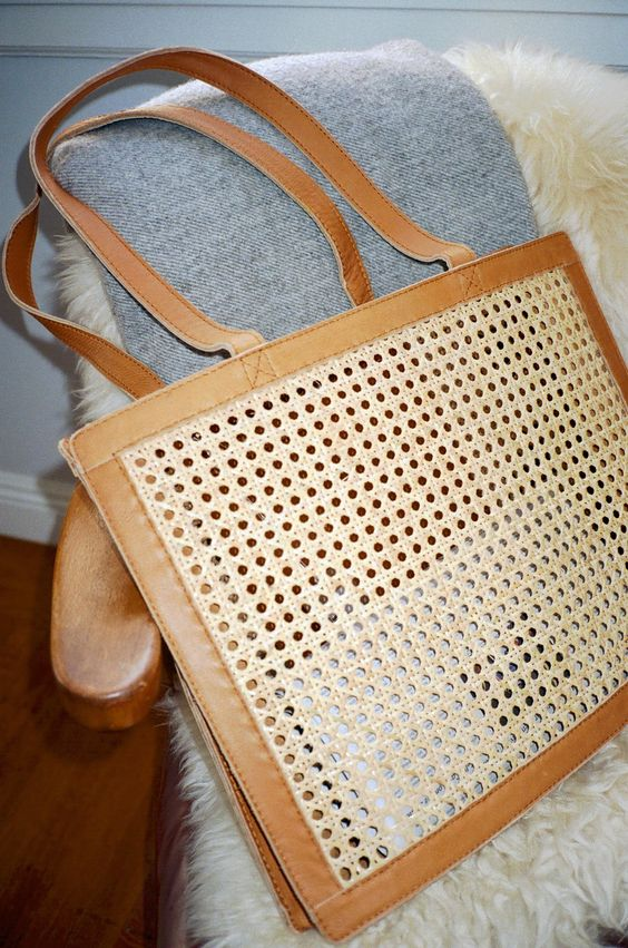 Easy outfits for Spring Break vacation   Accessories Rattan leather bag   Girlfriend is Better