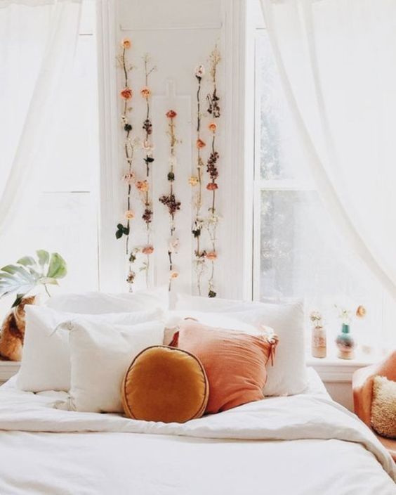 Pisces astrology home decor | Dried flowers above bed | Girlfriend is Better