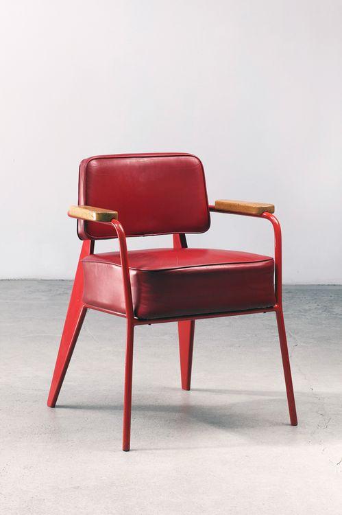 Aries astrology home decor guide | 1951 Bridge Office Chair | Design: Jean Prouvé | Girlfriend is Better