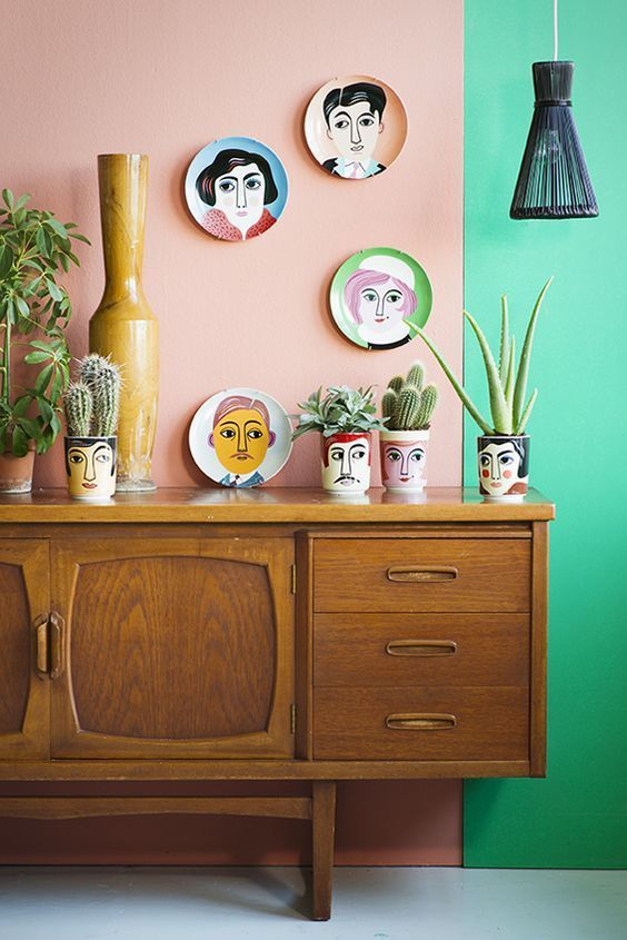 Earth element Feng Shui | Vintage console table with ceramic pottery | Girlfriend is Better