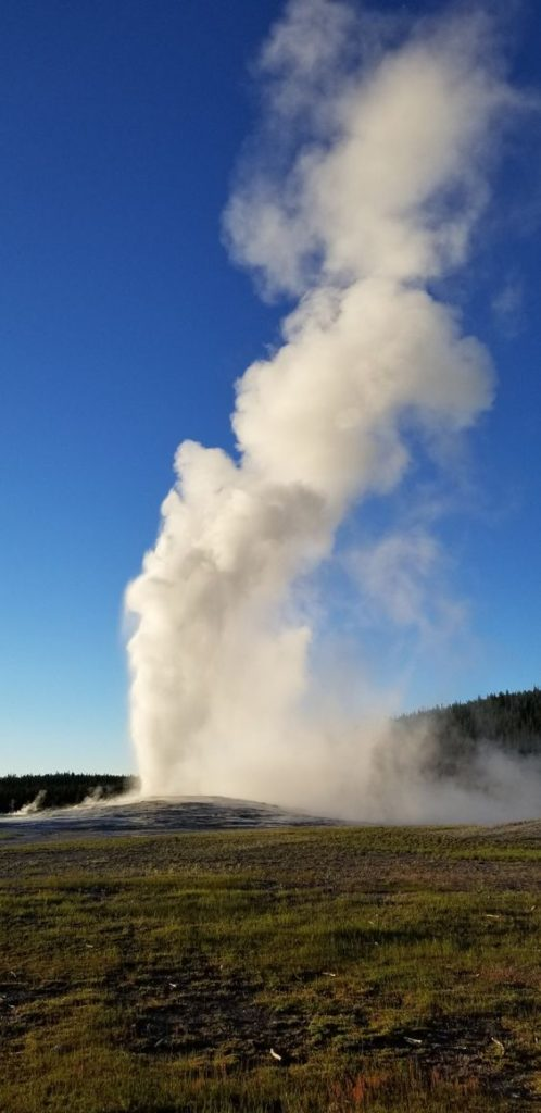Old Faithful natural geyser   Yellowstone National Park travel guide   Girlfriend is Better