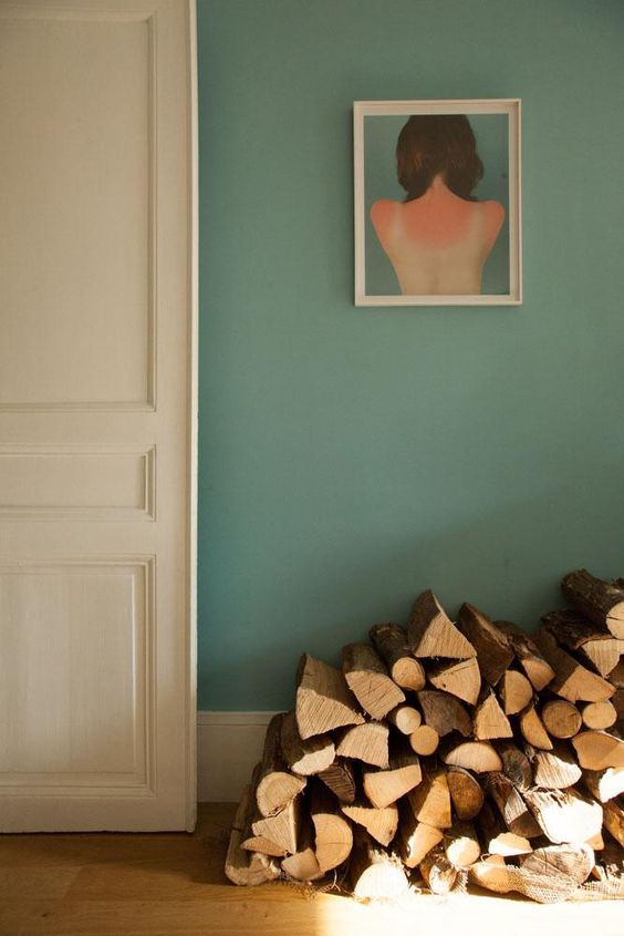 Wood element Feng Shui   green walls portrait painting   Girlfriend is Better