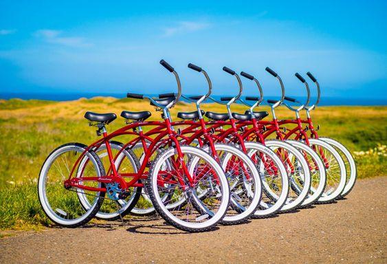 Fort Bragg California weekend coast trip | Beachcomber Motel bike rentals beach cruisers | Girlfriend is Better
