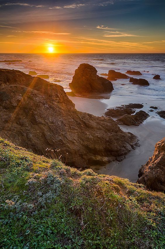 Fort Bragg California coastal weekend travel guide | Mendocino Glass Beach sunset | Girlfriend is Better