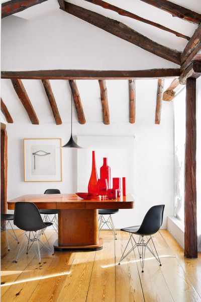 fire element Feng Shui | red glass vases dining room wood element | Girlfriend is Better