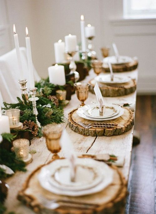 outdoor tablescapes pine centerpeices wood slice plate setting | Girlfriend is Better