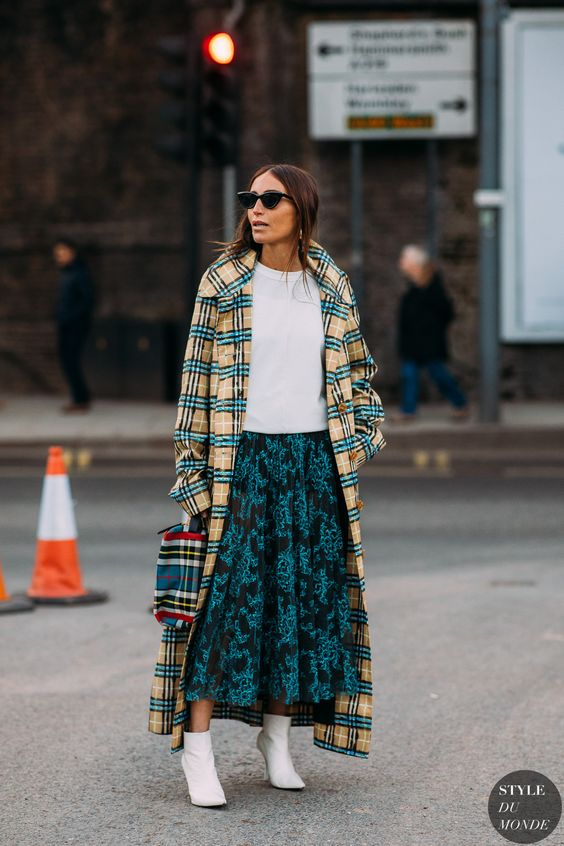 trench coats plaid full-length print mixing | Girlfriend is Better