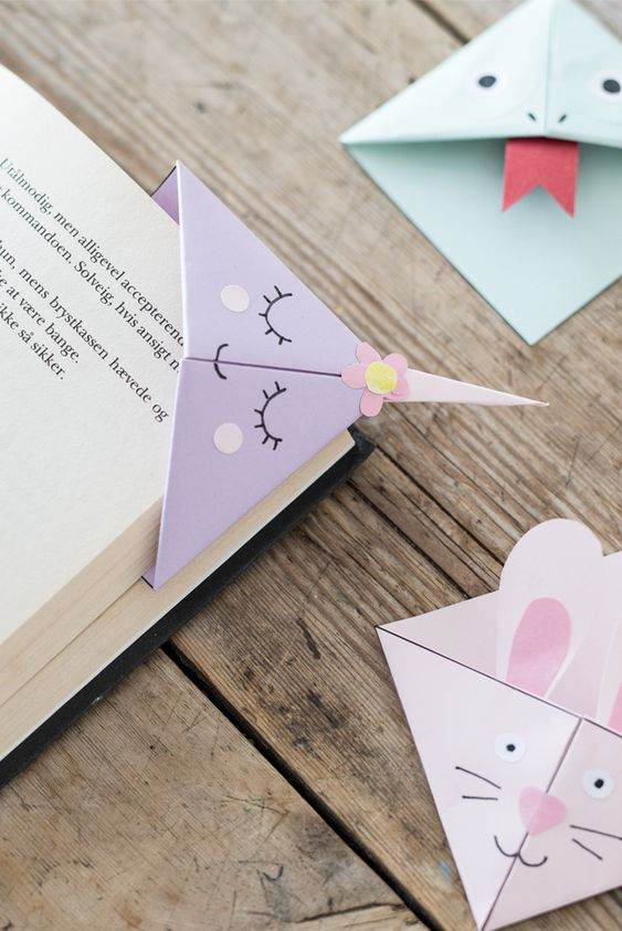 Christmas gift books reviews   DIY origami bookmarks   Girlfriend is Better