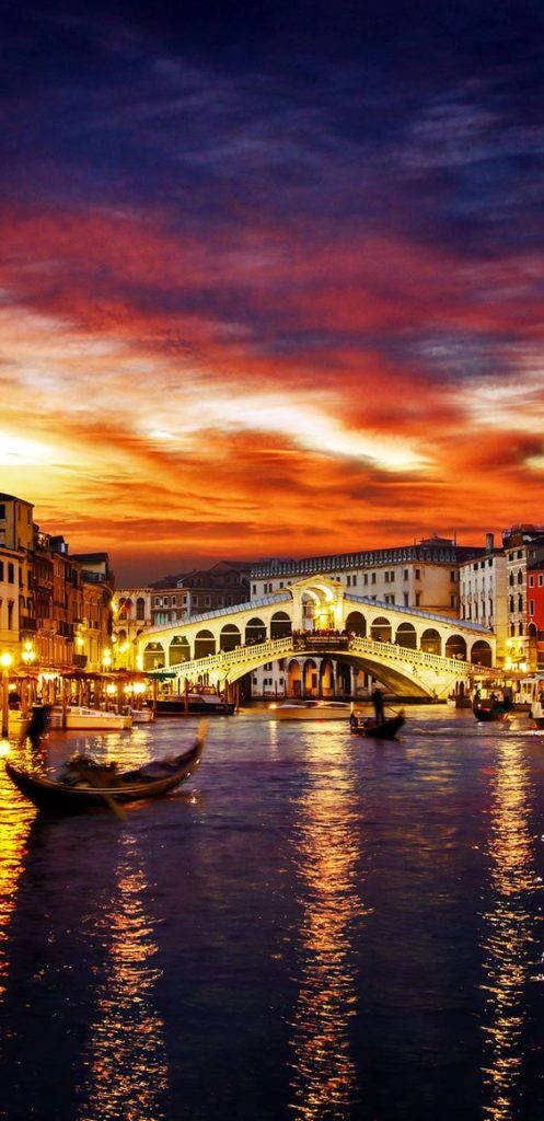 Foreign Language | Venice Canals Bridge | Girlfriend is Better