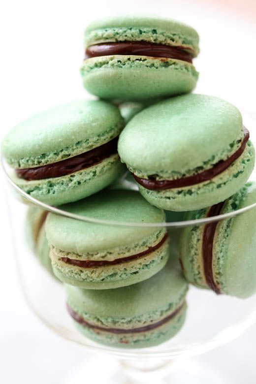 Macaron | mint green chocolate | Girlfriend is Better