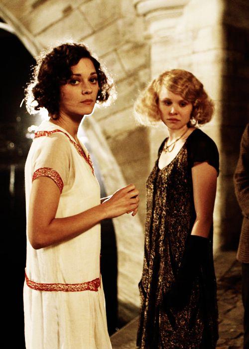 Paris Ground Zero   Pont Saint-Michel bridge   Midnight in Paris Zelda Fitzgerald and Adriana   Girlfriend is Better