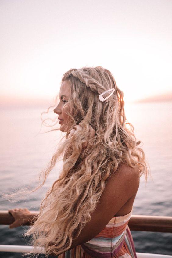 Snap Hair Clip | Big barrette wavy beach hairstyle braid | Girlfriend is Better
