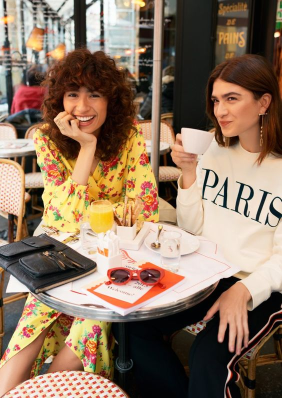 Paris 2nd arrondissement travel guide   shopping & Other Stories French girl cool   Girlfriend is Better