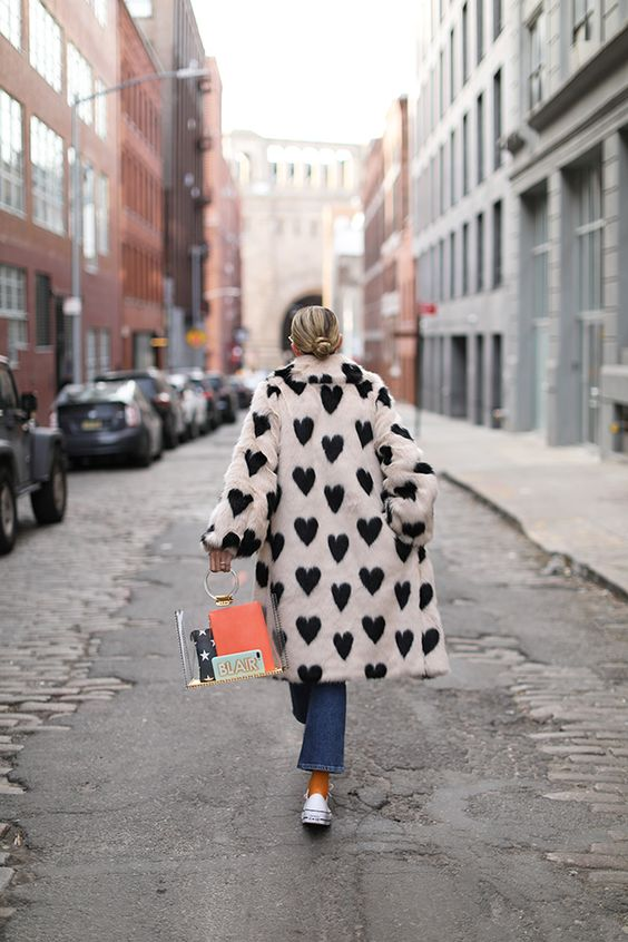Valentine's Day street style outfits   heart faux fur coat sett through purse   Girlfriend is Better