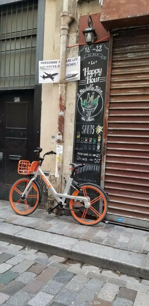 Paris 11th arrondissement | Bastille district dive bars Rue de Lappe bicycle | Girlfriend is Better