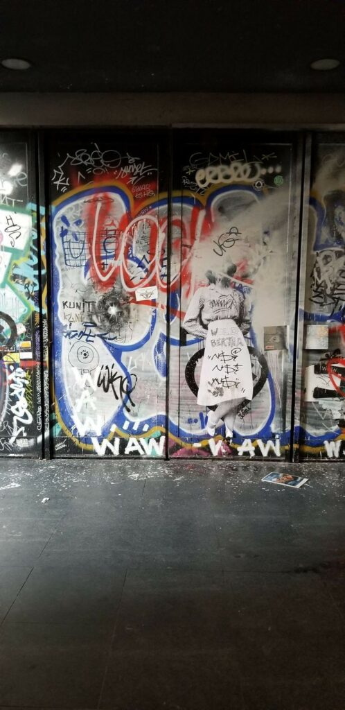 Paris 11th arrondissement | Opera Bastille metro graffiti street art | Girlfriend is Better