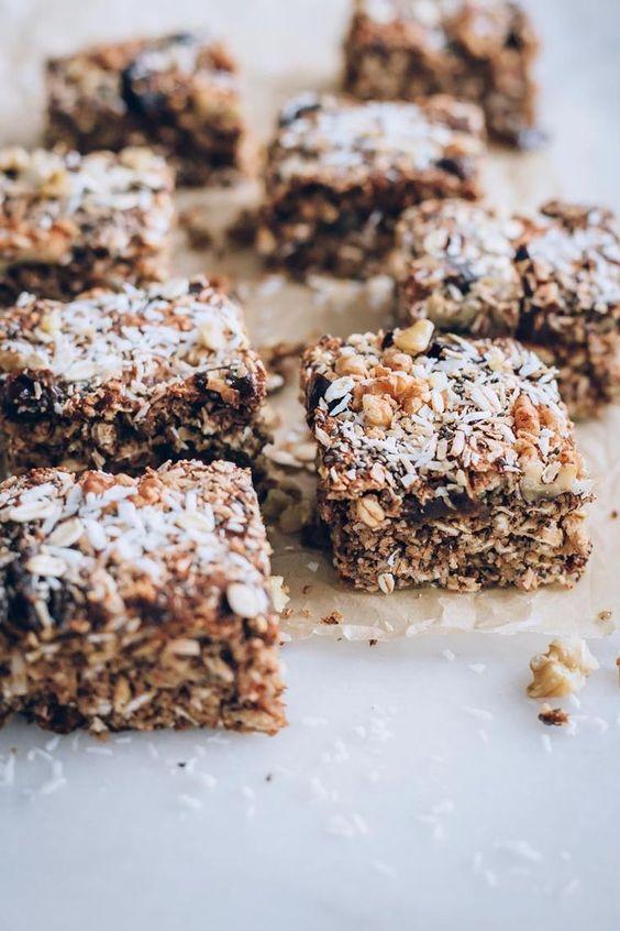 oats recipes | Healthy vegan oat bar anti-inflammatory dates | Girlfriend is Better