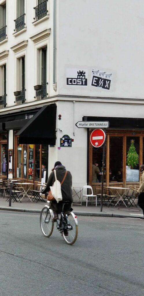 Paris 18th arrondissement | Montmartre cafe travel tips tourist guide shopping hotel | Girlfriend is Better