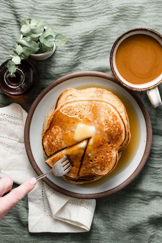 handmade Christmas   Spiced Eggnog Pancakes recipe applesauce cinnamon breakfast   Girlfriend is Better