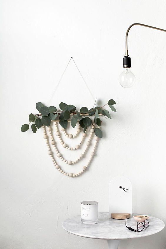 handmade Christmas wreath   minimalism easy wood bead garland modern wall hanging   Girlfriend is Better
