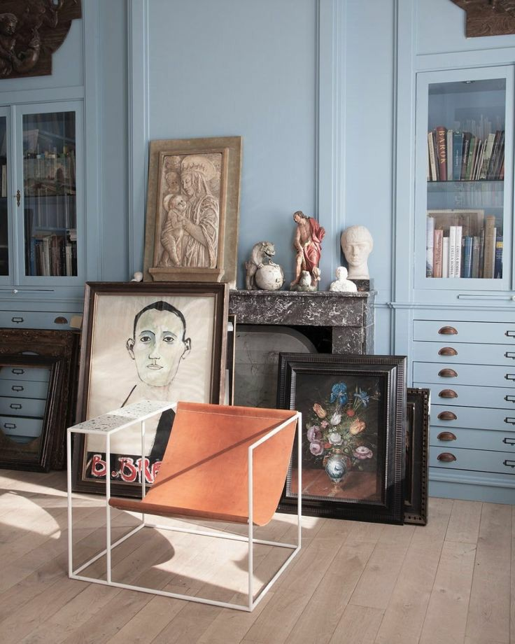 bust statues | floor gallery antique vintage art | Girlfriend is Better