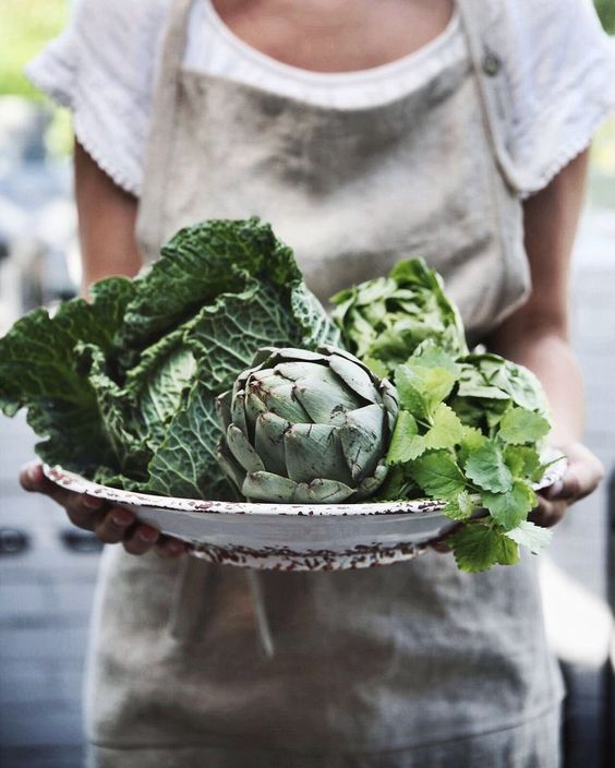 January's seasonal vegetables | artichokes Tuscan kale cilantro healthy recipes vegan gluten-free | Girlfriend is Better