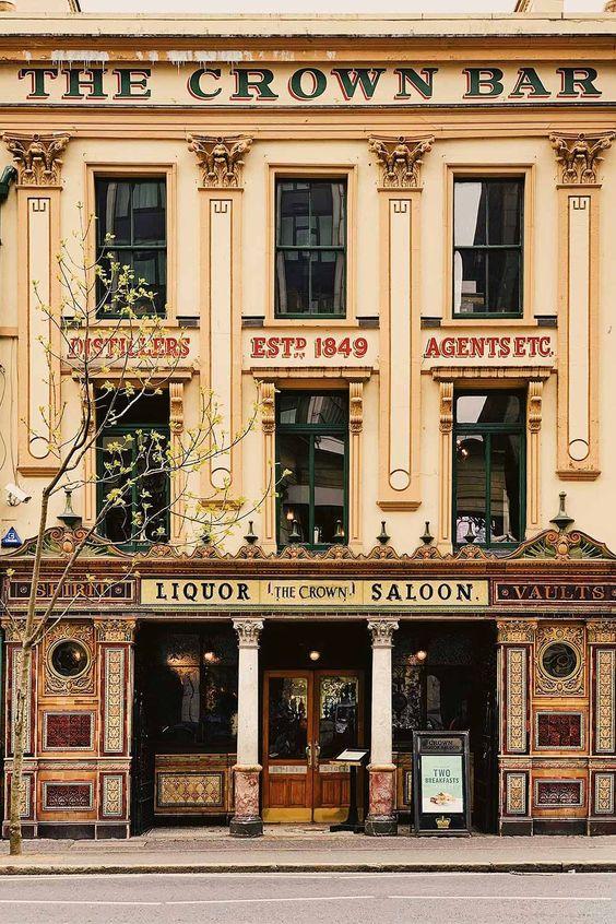 Ireland travel guide   The Crown Liquor Saloon Irish pub Belfast   Girlfriend is Better
