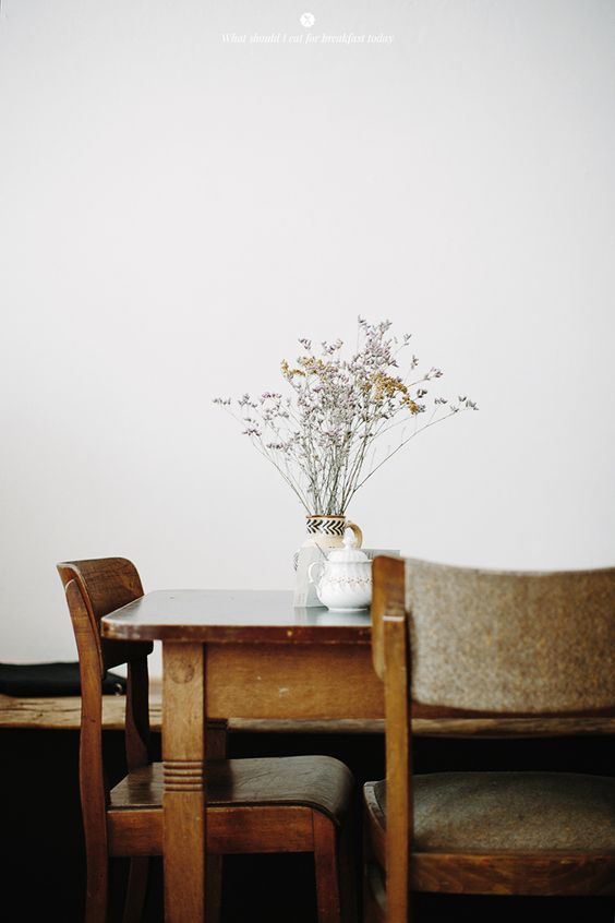 hygge taalescapes | natural decor vintage wildflowers | Girlfriend is Better
