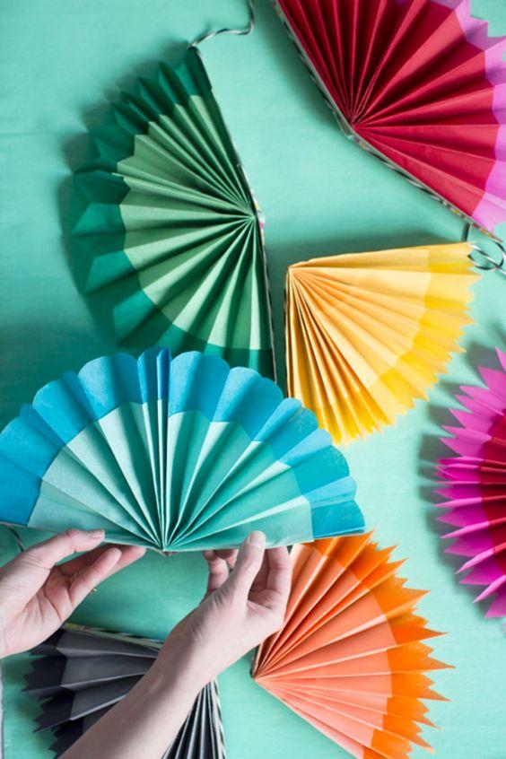 Cinco de Mayo party crafts | DIY paper fan garland easy kid-friendly handmade | Girlfriend is Better