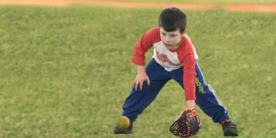 outdoor baseball fielding