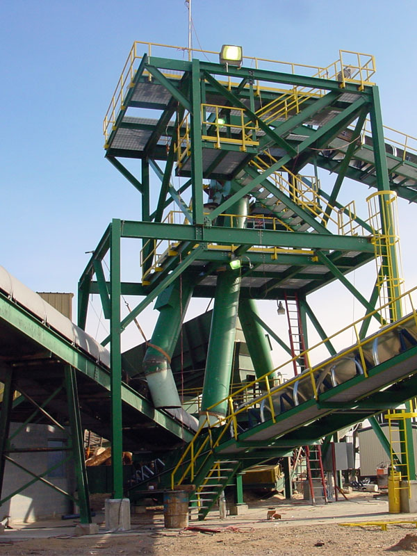 Our capable design and engineering staff has extensive experience in the design, manufacture and installation of state-of-the-art bulk material handling systems, structural steel, miscellaneous steel, hoppers, tanks, bins, metal buildings, foundations, retaining walls, and concrete slabs.