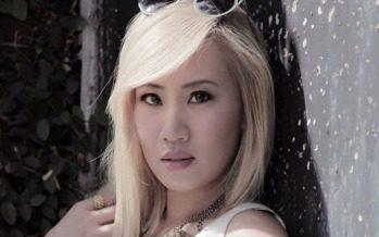 Learn the Secrets to Korean Beauty From a Bonafide Rock Star! (Girl Band Nylon Pink)