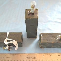 PIBAL LIGHT: BA-253/U with Bulb, Eagle-Picher Co.