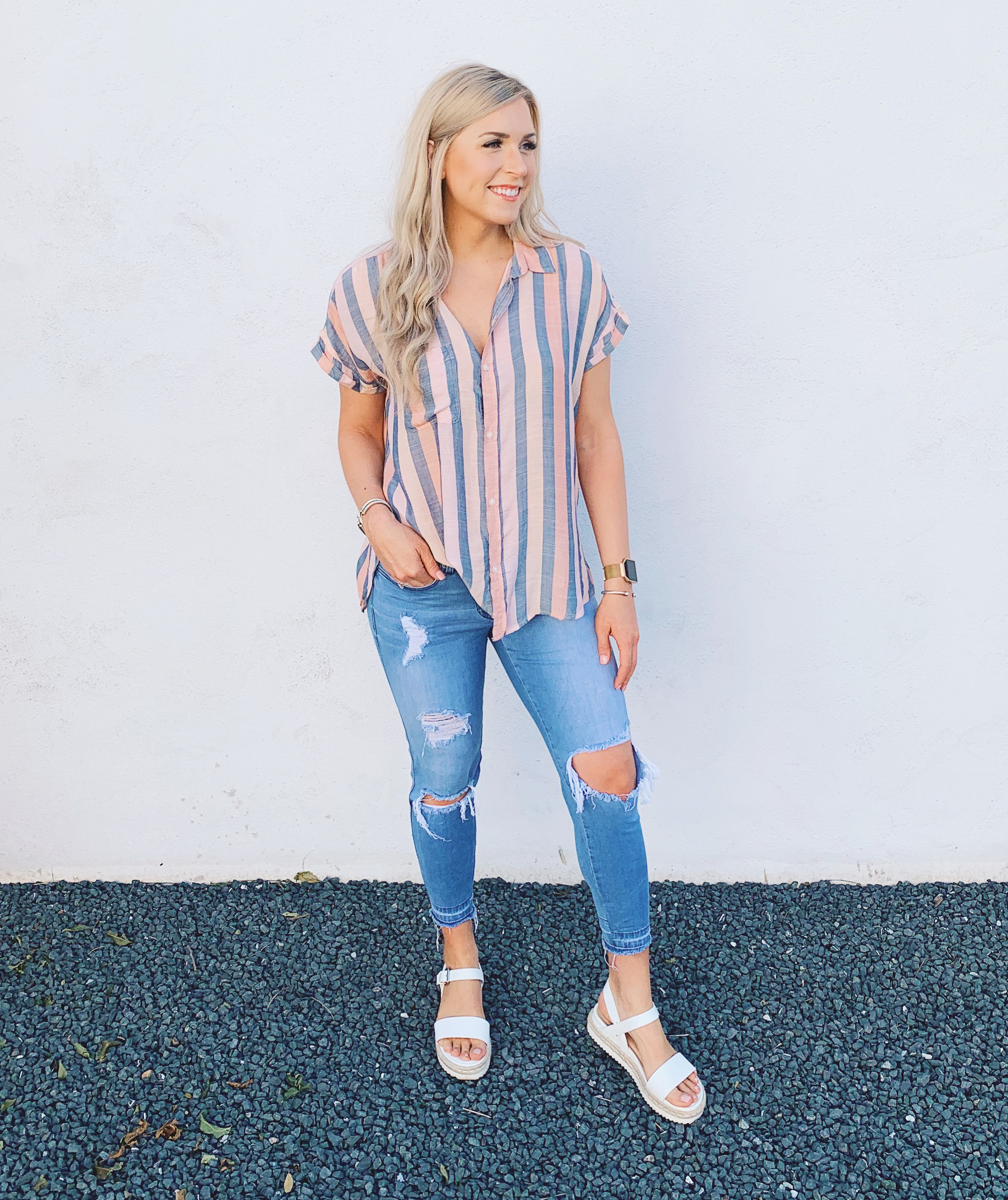 Mallory Ming Ennis is a lifestyle, fitness, fashion, and mom blogger in Central Texas