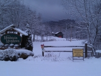 snowy-morning-in-mountain-meadows