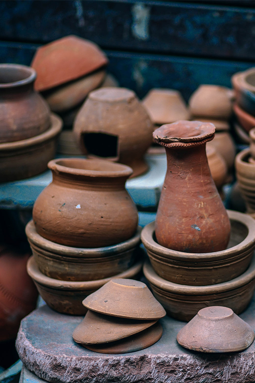 To remove while salt rings from clay pots, wipe undiluted white vinegar over the affected areas