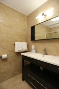 Deco Boutique Hotel- view of bathroom sink