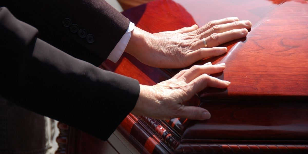 How Long Should a Funeral Last?