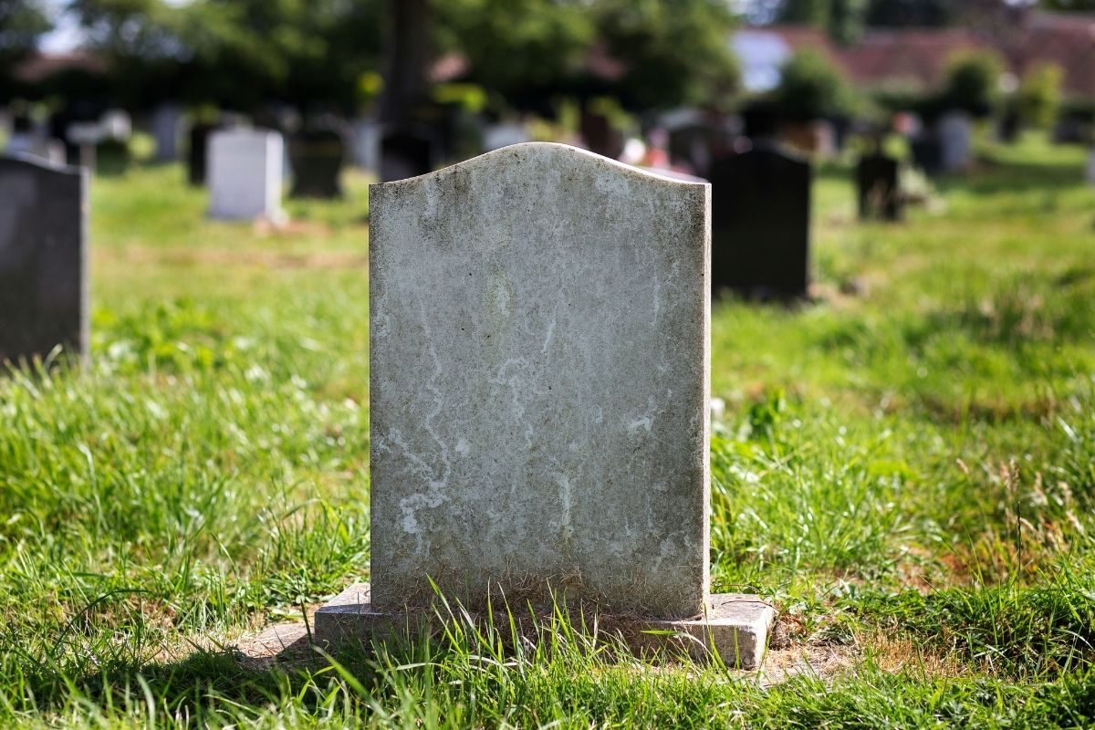 How Much Does a Headstone Cost?