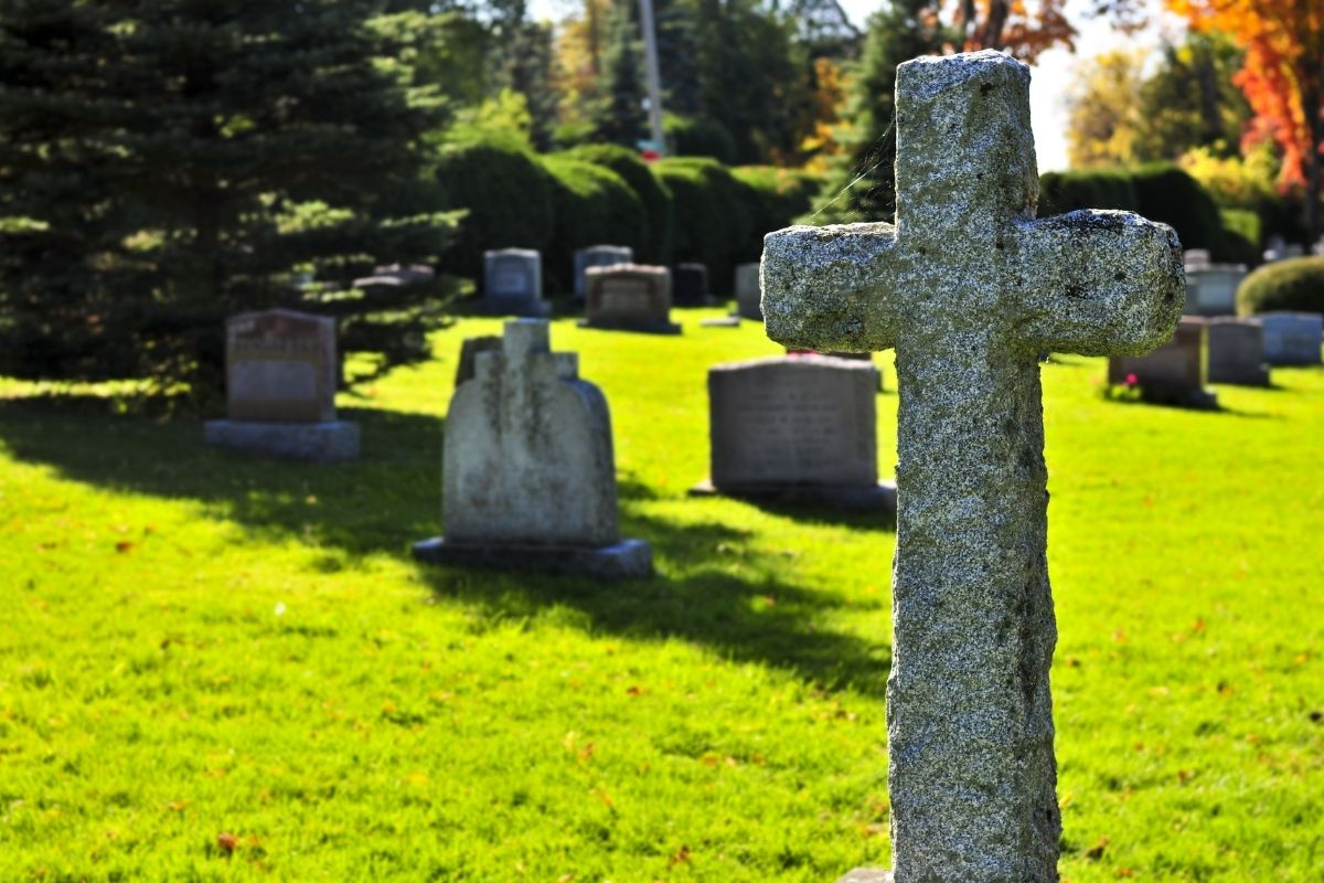 How to Sell an Unwanted Cemetery Plot Fast