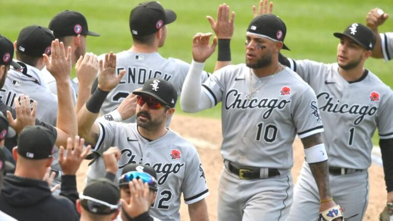 White Sox Beat Down Astros, Jose Canseco Interview (Sports Talk Chicago / WCKG 7-19-21)