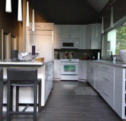 Reese-Modern-White-kitchen-352a0ec860bce4