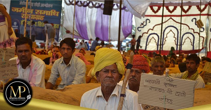 Agricultores en la India protestan contra las nueva leyes agrícolas del país