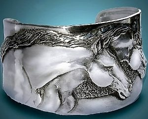 THOROUGHBRED CUFF BRACELET