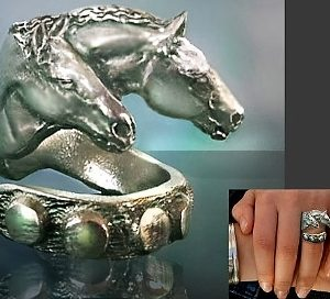 TWO HORSE HEAD RING