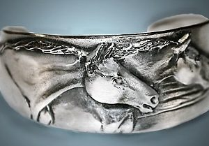 TWO HORSE NARROW CUFF BRACELET